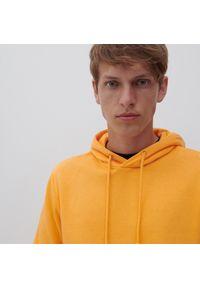 Reserved - Bluza z kapturem - Pomarańczowy. Typ kołnierza: kaptur. Kolor: pomarańczowy
