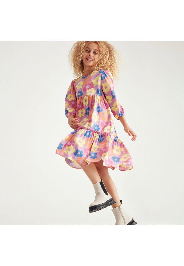 Reserved - Wiskozowa sukienka midi - Wielobarwny. Materiał: wiskoza. Długość: midi