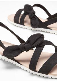 Czarne sandały bonprix z paskami