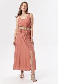Born2be - Łososiowa Sukienka Cherinoe. Kolor: różowy