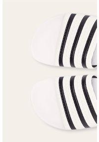 Białe klapki adidas Originals