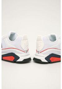 Białe sneakersy New Balance z okrągłym noskiem, z cholewką