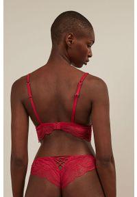 Czerwony biustonosz Undiz w koronkowe wzory