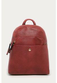 Czerwony plecak Answear Lab wakacyjny