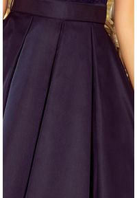 Sukienka wieczorowa Numoco w koronkowe wzory