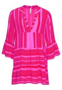 Krótka sukienka letnia bonprix czerwono-różowy wzorzysty. Typ kołnierza: dekolt w serek. Kolor: czerwony. Sezon: lato. Styl: elegancki. Długość: mini