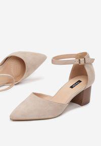 Beżowe sandały Born2be