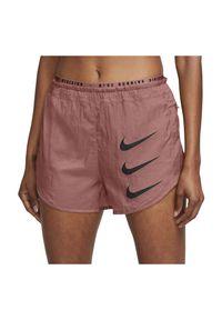 Spodenki damskie do biegania Nike Tempo Luxe Run Division DA1280. Materiał: tkanina, dzianina, materiał, poliester. Technologia: Dri-Fit (Nike). Długość: krótkie. Sport: bieganie