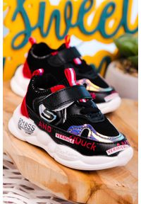 Casu - czarne buty sportowe na rzep casu 204/38m. Zapięcie: rzepy. Kolor: czarny