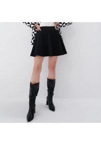 Mohito - Spódnica mini - Czarny. Kolor: czarny