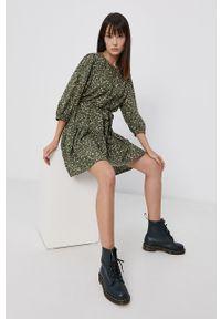 only - Only - Sukienka. Kolor: zielony. Materiał: tkanina. Typ sukienki: rozkloszowane