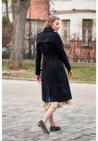 Marie Zélie - Trencz Adria bawełna z elastanem czarny. Kolor: czarny. Materiał: bawełna, elastan. Sezon: lato. Styl: klasyczny #8