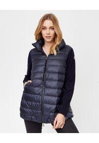 MONCLER - Granatowa kurtka z wełnianymi rękawami. Kolor: niebieski. Materiał: wełna. Długość: długie. Wzór: aplikacja. Sezon: jesień