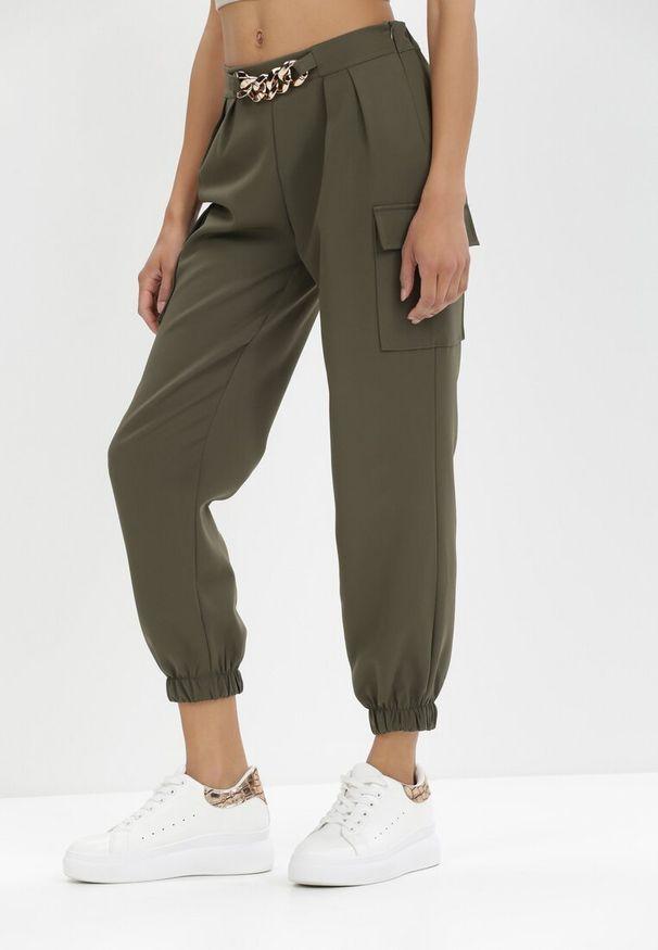 Born2be - Khaki Spodnie Nyxanise. Kolor: brązowy