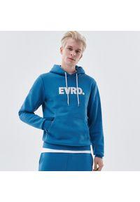 Cropp - Bluza z kapturem i sloganem - Niebieski. Typ kołnierza: kaptur. Kolor: niebieski