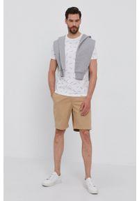 Lacoste - T-shirt. Okazja: na co dzień. Kolor: biały. Materiał: dzianina. Styl: casual