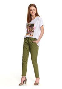 Zielone spodnie TOP SECRET na co dzień, w kolorowe wzory, sportowe