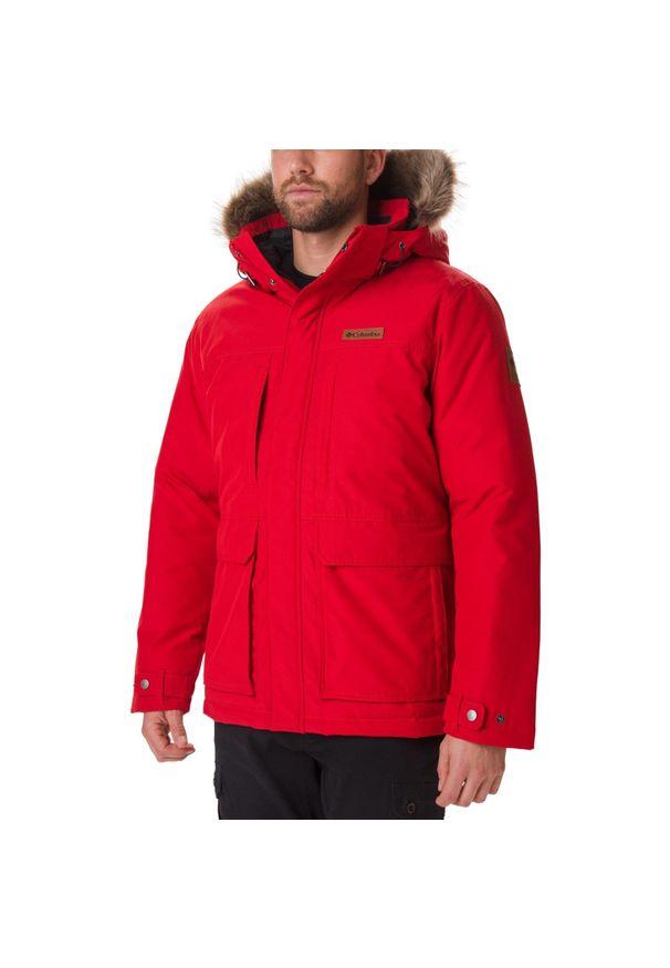 Czerwona kurtka turystyczna columbia na zimę