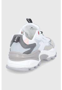 Cross Jeans - Buty. Nosek buta: okrągły. Zapięcie: sznurówki. Kolor: biały. Materiał: guma. Obcas: na platformie
