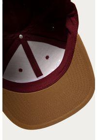 Brązowa czapka z daszkiem Vans z aplikacjami