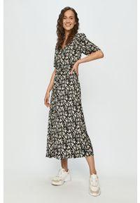 Czarna sukienka Jacqueline de Yong casualowa, oversize, z krótkim rękawem, maxi