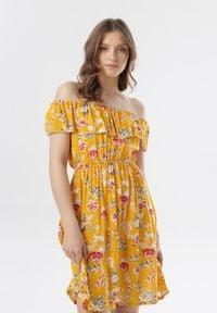 Born2be - Żółta Sukienka Aquamere. Kolor: żółty