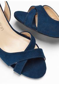 Czółenka z odkrytymi palcami bonprix ciemnoniebieski. Nosek buta: otwarty. Kolor: niebieski. Styl: elegancki