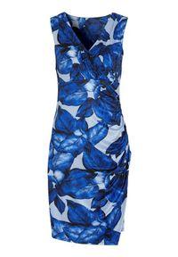 Cellbes Sukienka dżersejowa z marszczeniami niebieski we wzory female niebieski/ze wzorem 42/44. Typ kołnierza: dekolt w serek. Kolor: niebieski. Materiał: jersey. Długość rękawa: bez rękawów. Typ sukienki: kopertowe