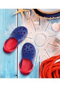 REALPAKS - Klapki dziecięce Realpaks F-401 Granatowo-Czerwone. Okazja: na plażę. Kolor: niebieski, czerwony, wielokolorowy. Materiał: tworzywo sztuczne. Styl: młodzieżowy