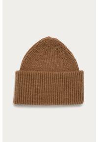 Beżowa czapka Pieces
