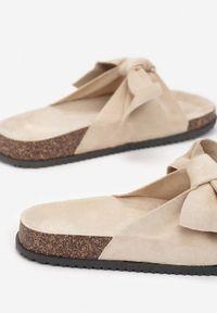 Born2be - Beżowe Klapki Nemenpheu. Nosek buta: okrągły. Kolor: beżowy. Sezon: lato