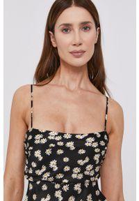 BARDOT - Bardot - Sukienka. Kolor: czarny. Materiał: materiał. Długość rękawa: długi rękaw. Typ sukienki: rozkloszowane