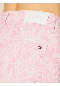 Różowe szorty jeansowe TOMMY HILFIGER z nadrukiem