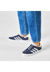 Niebieskie półbuty Adidas z cholewką, w paski