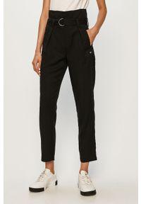 Czarne spodnie materiałowe Tommy Jeans