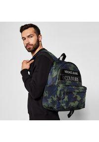 Versace Jeans Couture - Plecak VERSACE JEANS COUTURE - E1YWABA1 239+141. Kolor: czarny, niebieski, wielokolorowy. Materiał: materiał