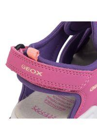 Różowe klapki Geox