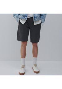 Reserved - Dresowe szorty basic - Szary. Kolor: szary. Materiał: dresówka