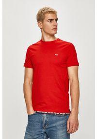 Tommy Jeans - T-shirt. Okazja: na co dzień. Kolor: czerwony. Materiał: bawełna. Wzór: nadruk. Styl: casual