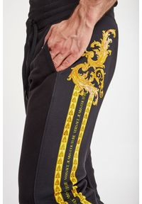 Versace Jeans Couture - SPODNIE DRESOWE VERSACE JEANS COUTURE. Materiał: dresówka