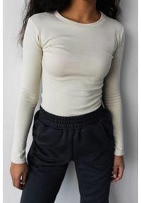 Marsala - Dopasowany top z długim rękawem w kolorze CANNOLI CREAM - MOODY BY MARSALA. Materiał: elastan, prążkowany, materiał, bawełna. Długość rękawa: długi rękaw. Długość: długie