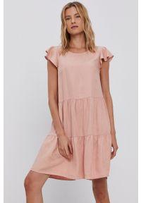 Vila - Sukienka. Kolor: różowy. Materiał: tkanina, jedwab, materiał, lyocell. Długość rękawa: krótki rękaw. Wzór: gładki. Typ sukienki: rozkloszowane