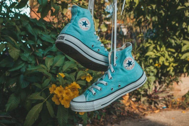 Historia trampek Converse - ponadczasowe i zawsze modne