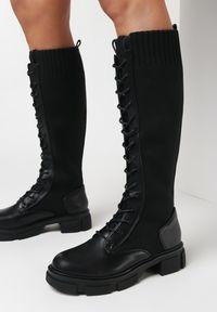 Born2be - Czarne Kozaki Maisa. Wysokość cholewki: przed kolano. Nosek buta: okrągły. Zapięcie: bez zapięcia. Kolor: czarny. Materiał: materiał. Szerokość cholewki: normalna. Obcas: na obcasie. Wysokość obcasa: średni
