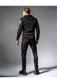 GUNS & TUXEDOS - Czarny sweter z kapturem Cold Sunrise. Typ kołnierza: kaptur. Kolor: czarny. Materiał: dzianina, materiał, prążkowany, jeans, wełna. Wzór: aplikacja. Styl: elegancki