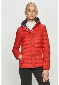 Czerwona kurtka Cross Jeans casualowa, z kapturem