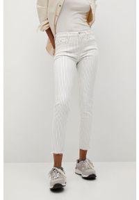 Białe jeansy mango