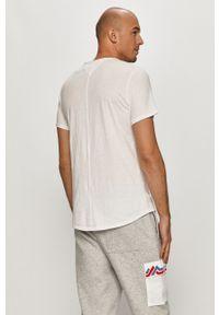 Tommy Jeans - T-shirt. Okazja: na co dzień. Kolor: biały. Materiał: dzianina. Wzór: gładki. Styl: casual