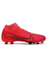 Różowe buty do piłki nożnej Nike