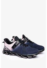 Czarne buty sportowe Casu na rzepy